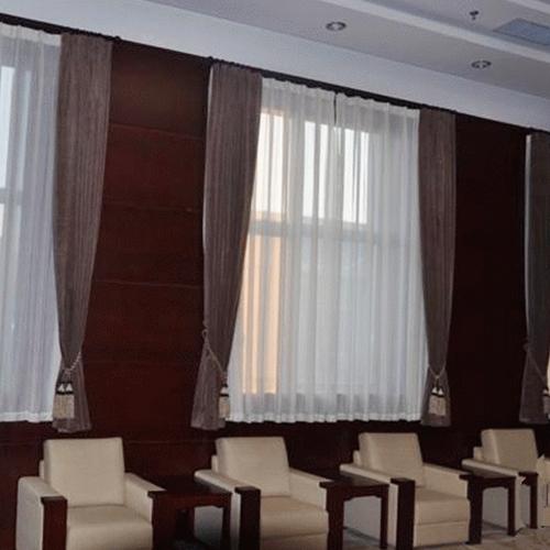 萊蕪會議室布藝窗簾